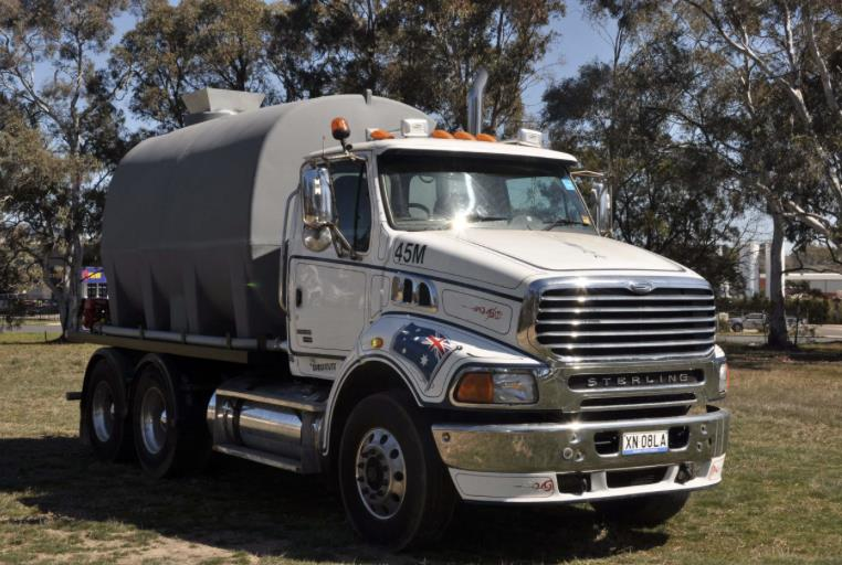 Sterling HX9500, 13,000L Water Truck