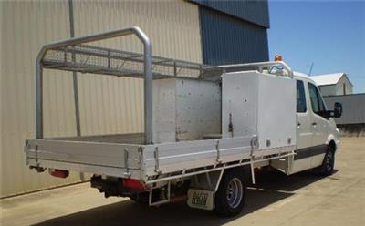 Photo 4. Volkswagen Crafter Table tray truck