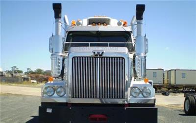Photo 2. Western Star 4864FXC Prime Mover