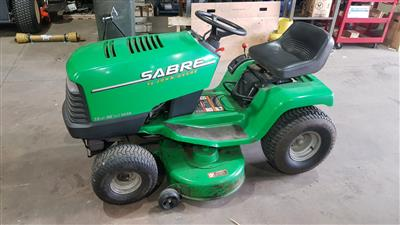 Used John Deere Ride on Mower Sabre 1338