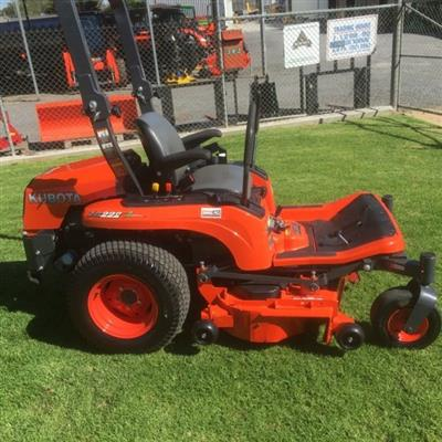 Photo 2. KUBOTA ZG222 lawn mower