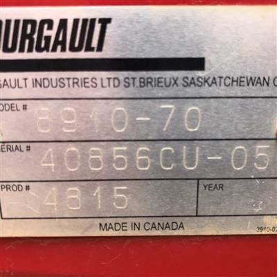Photo 2. BOURGAULT 8910 airseeder