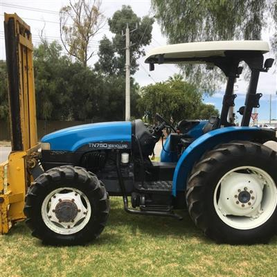 Photo 3. NEW HOLLAND TN75D tractor