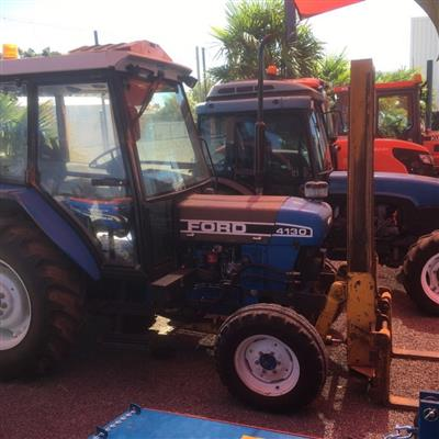 Photo 2. FORD 4130 tractor