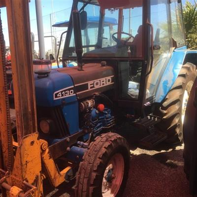 Photo 3. FORD 4130 tractor