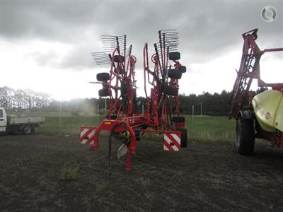 Photo 3. Lely VARIO 915 CD hay rake