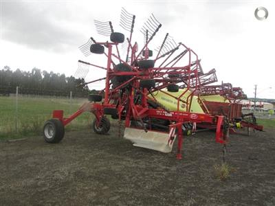 Photo 2. Lely VARIO 915 CD hay rake
