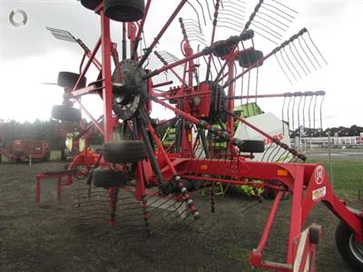 Photo 1. Lely VARIO 915 CD hay rake