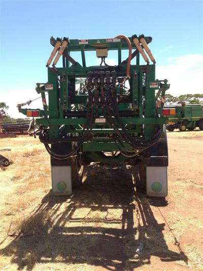 Photo 3. Goldacres Prairie Advance boom sprayer