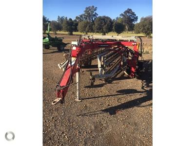 Photo 1. Twinstar. 2030 hay rake
