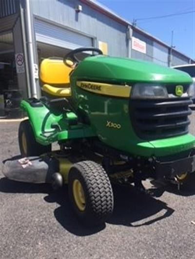 Photo 5. John Deere X300 ride on mower
