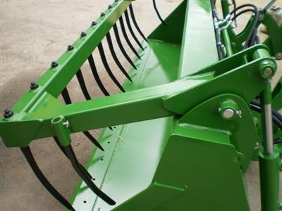 Photo 2. John Deere HD MP 2450MM bucket