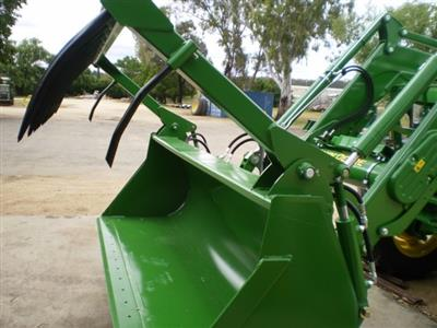 Photo 4. John Deere HD MP 2450MM bucket