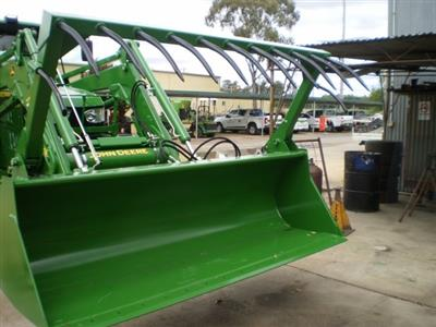 Photo 5. John Deere HD MP 2450MM bucket