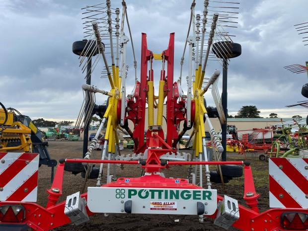 Photo 2. Pottinger TOP 842C Rakes/Tedder