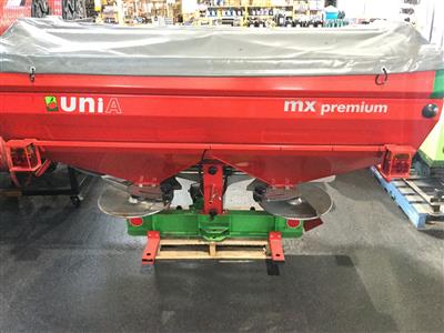 Photo 2. UNIA MX1200 UNIA MX1200 Fertilizer/Manure Spreader