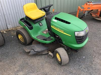 Photo 2. John Deere L108 JOHN DEERE L108 18HP 42 CUT Standard Ride On