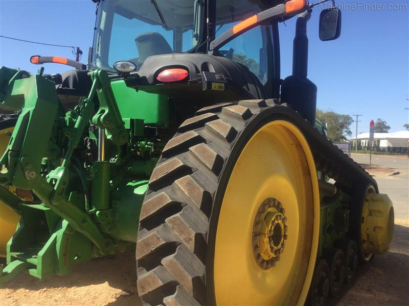 Photo 2. John Deere 8335RT tracked tractor