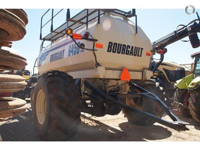 Photo 2. Bourgault 6450 airseeder