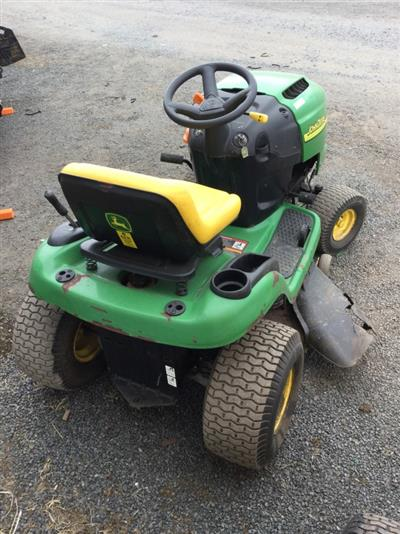 Photo 3. John Deere L108 JOHN DEERE L108 18HP 42 CUT Standard Ride On
