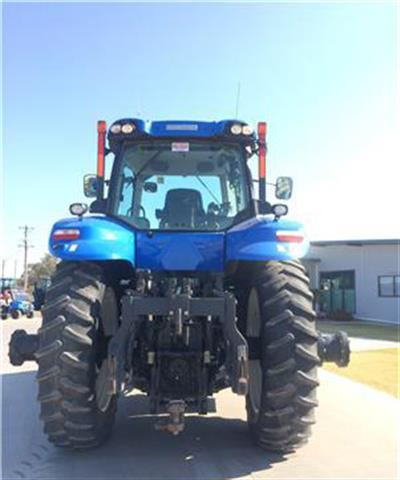 Photo 3. New Holland T8.360 tractor