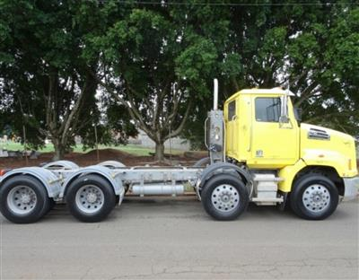 Photo 3. Western Star 4764SXC 4700SB prime mover