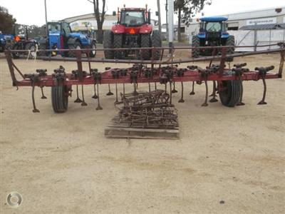 Photo 2. International 2-11 cultivator