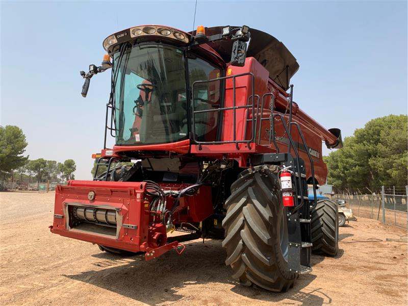 Photo 2. Case IH 7140 Axial Flow Combine & 3152 40ft Front