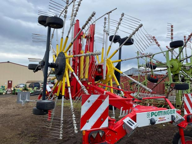 Photo 5. Pottinger TOP 842C Rakes/Tedder