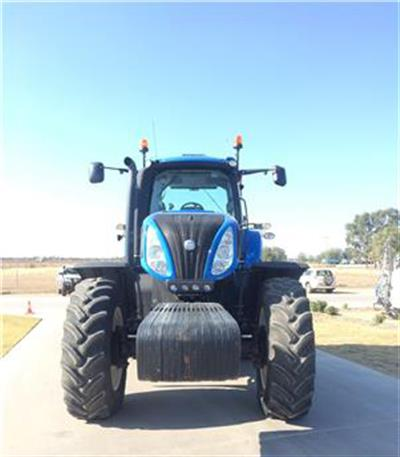 Photo 5. New Holland T8.360 tractor