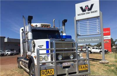 Photo 5. Western Star 4964FX Prime Mover