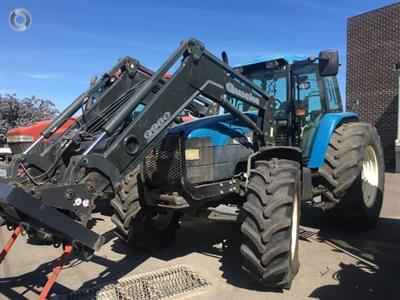 Photo 2. New Holland 8560 tractor