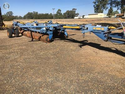 Photo 2. GRIZZLY 112 WEST COASTER cultivator