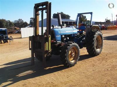 Photo 2. Ford 5600 FWA tractor