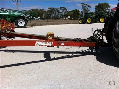Photo 2. Bourgault 5710 Air Hoe drill