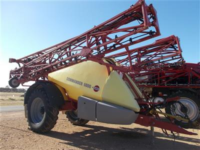 Photo 4. Hardi 5036 Commander Boomspray