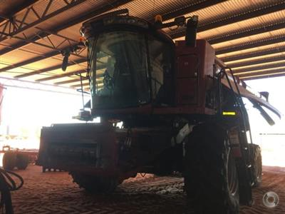 Photo 3. CASE IH 7240 combine harvester
