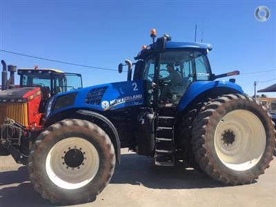 Photo 2. New Holland T8.390 Tractor
