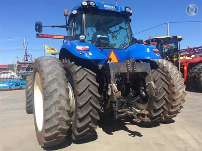 Photo 4. New Holland T8.390 Tractor