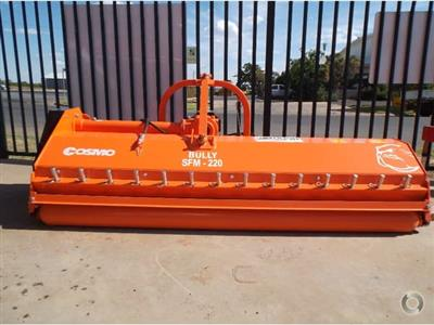 Photo 2. Cosmo Bully SFM 220 mulcher