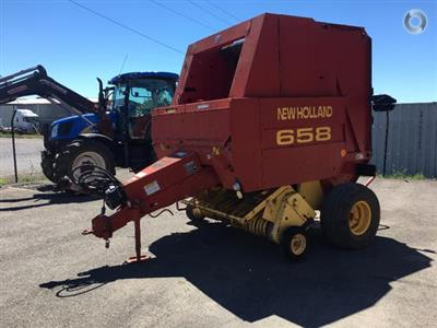 Photo 5. New Holland 658 round baler