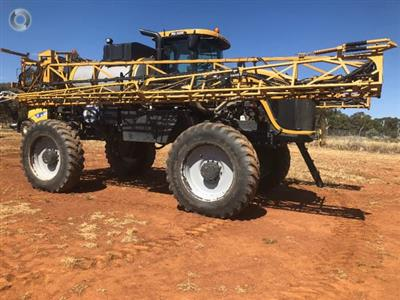 Photo 2. RoGator RG1300 selfpropelled sprayer