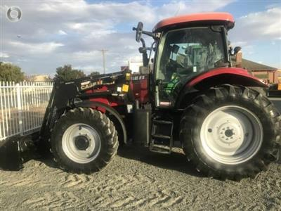 Photo 4. CASE IH Maxxum 125 tractor