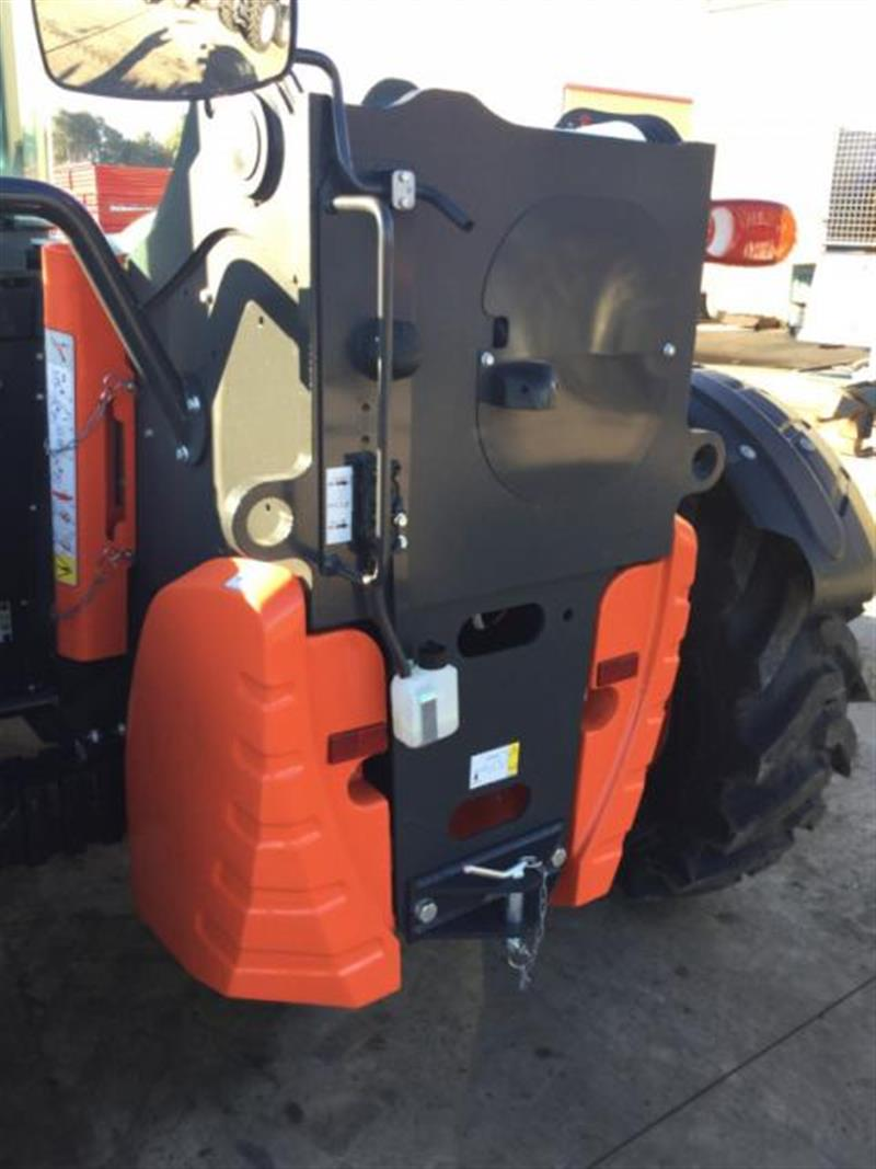 Photo 2. Bobcat L38.70HF telehandler