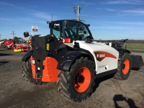 Photo 5. Bobcat L38.70HF telehandler