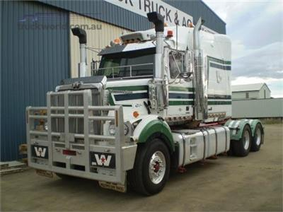 Photo 3. Western Star 4864FXC Prime Mover