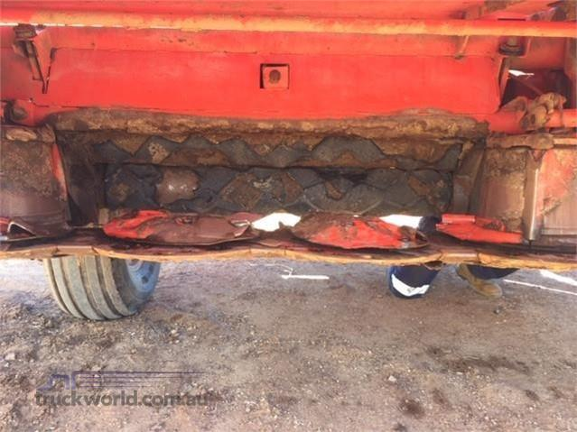 Photo 4. Kuhn FC4000RG Mower Conditioners