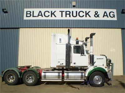 Photo 4. Western Star 4800FX Prime Mover