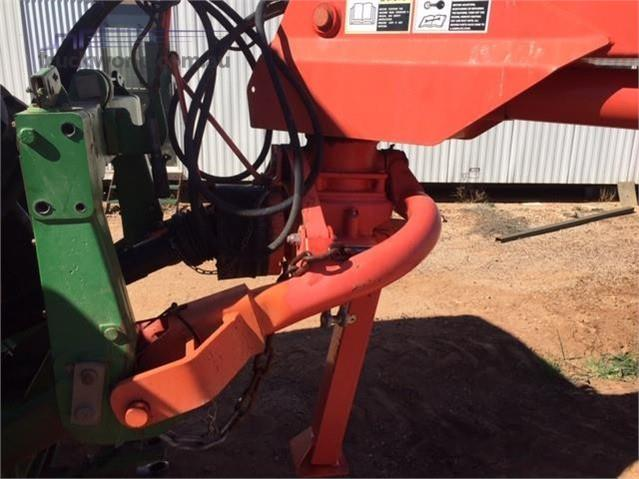 Photo 2. Kuhn FC4000RG Mower Conditioners