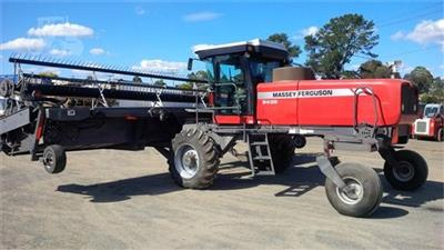 MASSEY FERGUSON 9435 windrower